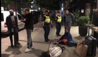 【中英双语】中国游客被瑞典酒店驱赶,英国网民怎么看