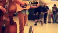 【中英双语】爱音乐的孩子能赚更多钱?看外国网民怎么说