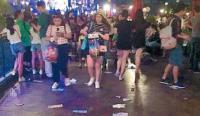 【中英双语】外国人看上海迪斯尼乐园中的不文明行为