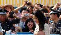 【中英双语】苍井空:教育一代中国人性知识的日本成人女星
